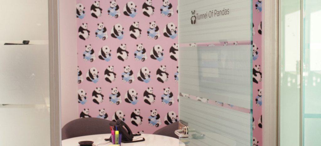 customized-wallpaper-office